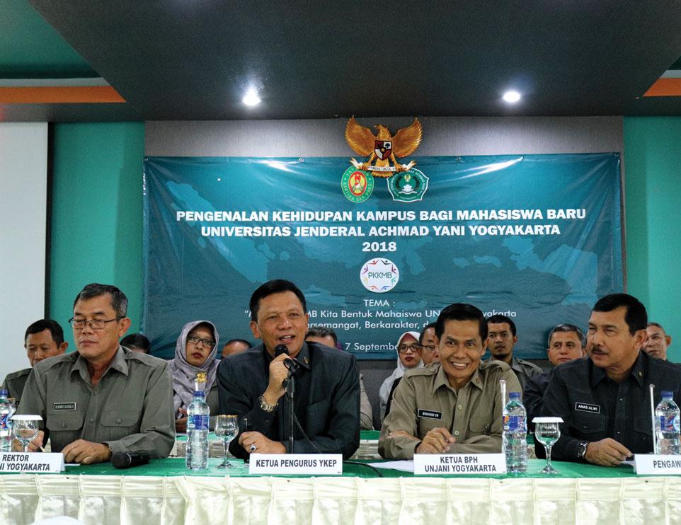 Ketua Pengurus YKEP Beri Pembekalan Kepada Mahasiswa Baru Unjani Yogyakarta