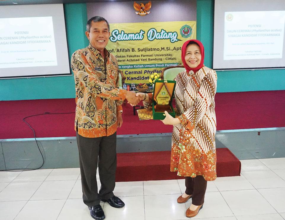 Review Kurikulum dan Kuliah Umum Prodi Farmasi Unjani Yogyakarta