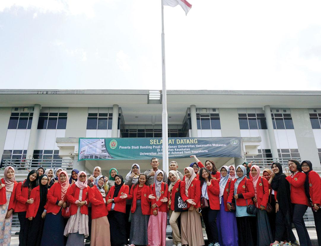 Dosen dan Mahasiswa Kebidanan Unhas Makassar Studi Banding ke Unjani Yogyakarta