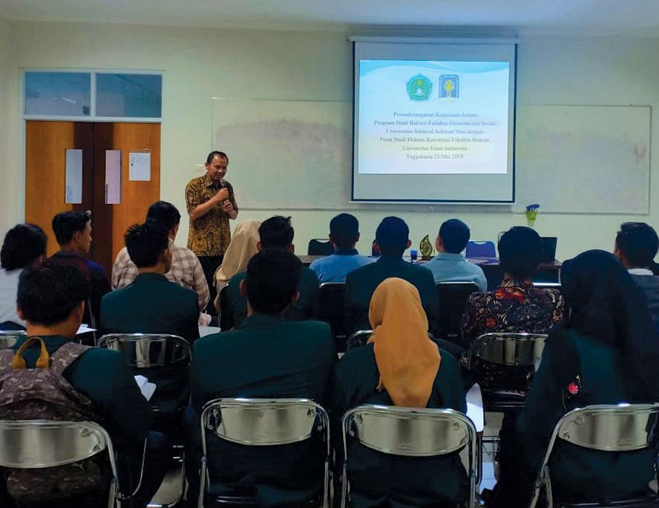 Prodi Hukum FES Unjani Yogyakarta Jalin Kerja Sama dengan PSHK FH UII